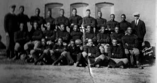 Saint-Paul's-1923-Football-Team